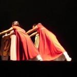 Dança gospel leva mensagens de fé ao Teatro Municipal no Rio Grande do Sul