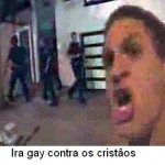 Multidão de homossexuais irados ataca física e sexualmente grupo cristão de oração