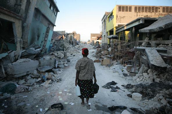 Resultado de imagem para O tsunami e o terremoto no Haiti