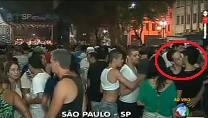 http://noticias.gospelmais.com.br/files/2011/01/beijo-gay-record.jpg