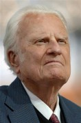 Aos 92 anos, Billy Graham é internado com pneumonia