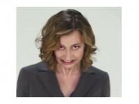 """Sony faz comercial """"demoníaco"""" para seu novo celular. Assista o vídeo"""