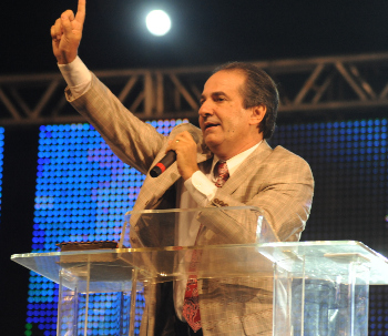 http://noticias.gospelmais.com.br/files/2011/03/silas-malafaia-pregacao.jpg