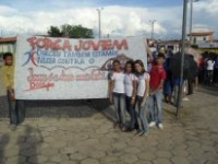 Grupo Jovem da Igreja Universal faz caminhada contra o crack