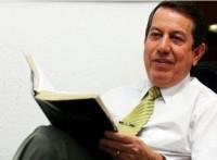 Mesmo não sendo parlamentar, Missionário R. R. Soares recebe  passaporte especial do Senado a pedido de Bispo da Igreja Universal