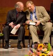 John Piper e Rick Warren: Grandes influências em líderes evangélicos no Brasil e na América Latina