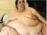 Homem mais gordo do mundo é evangélico. Saiba com é um dia na vida de uma pessoa com 450 quilos