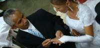 Surpresa: Homem vai a igreja acompanhar casamento e descobre que ele é o noivo