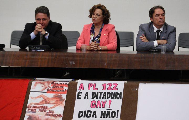manifestacao contra plc 122 2 Saiba como foi o protesto e manifestação contra a PLC 122 organizada pelo Pastor Silas Malafaia em Brasília