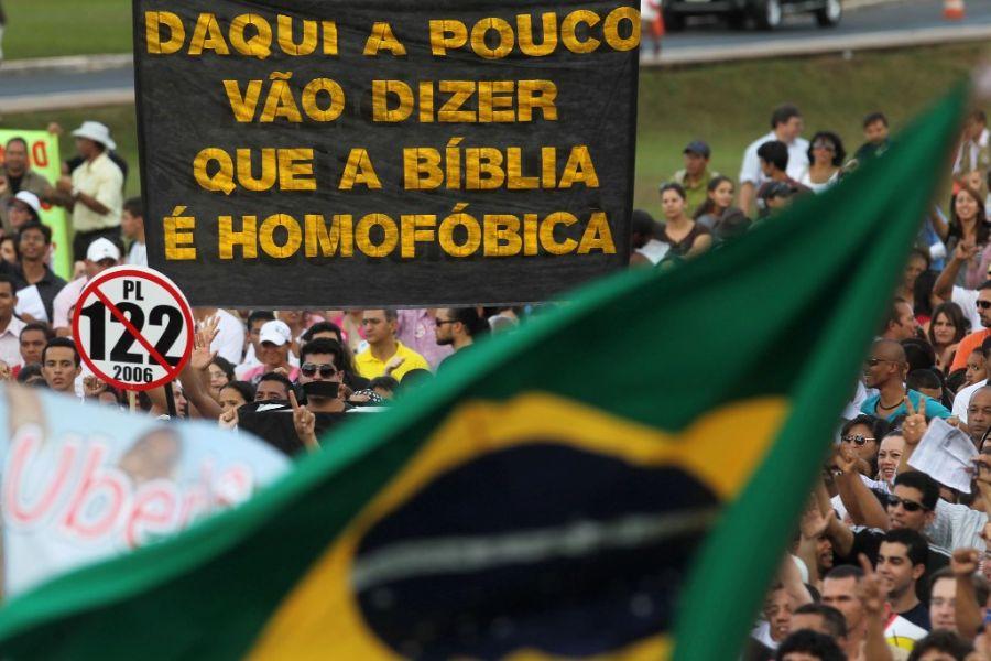 manifestacao contra plc 122 3 Saiba como foi o protesto e manifestação contra a PLC 122 organizada pelo Pastor Silas Malafaia em Brasília