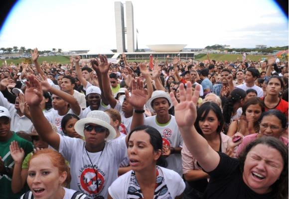manifestacao contra plc 122 4 Saiba como foi o protesto e manifestação contra a PLC 122 organizada pelo Pastor Silas Malafaia em Brasília
