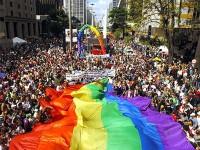 Evangélicos vão a Parada Gay para pregar sobre Jesus
