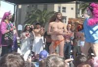 """Hunky Jesus: Evento homossexual zomba do Cristianismo elegendo o """"melhor e mais atraente"""" Jesus Cristo gay"""