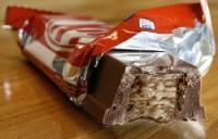 """Jesus"" aparece em barra de chocolate após homem morde-la"