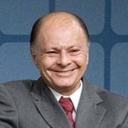 Bispo Edir Macedo faz nova oferta milionária para Igreja Universal ter programa na TV Globo