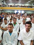 Igreja Assembléia de Deus batiza mais de 300 na abertura de novo templo