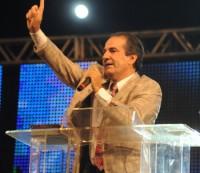 Após trocarem xingamentos Silas Malafaia e vereador pedem desculpas e cruzada do pastor reune 250 mil pessoas
