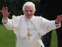 Papa Bento XVI critica igrejas pentecostais e convida evangélicos a trabalharem juntos com os católicos