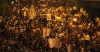 Protesto de cristãos no Egito deixa dezenove mortos em confronto com a polícia