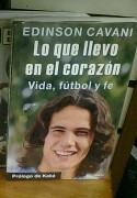 """""""O Que Levo no Coração"""": Kaká vira autor e participa de livro de jogador cristão contando seu testemunho"""