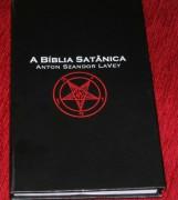 Editora que publica a Bíblia Satânica anuncia a compra de editora cristã