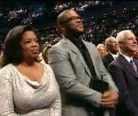 Oprah Winfrey, famosa apresentadora de TV, surpreende em visita a igreja para gravar programa de TV