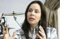 Pastora Sarah Sheeva afirma que está há dez anos sem sexo e ensina mulheres a encontrar parceiro ideal