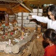 Presépio mistura cena do nascimento de Jesus com as mortes de Bin Laden e Kaddafi