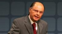 "Bispo Edir Macedo rebate boatos e responsabiliza Igreja Católica por ""farsas"" contra a Igreja Universal"
