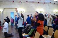 Crise econômica faz igrejas neopentecostais crescerem de maneira histórica na França