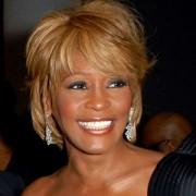 Causa da morte de Whitney Houston foi afogamento; Cantora tinha consumido cocaína