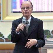 Blog do bispo Edir Macedo publica especial com testemunhos de ex-homossexuais convertidos na Igreja Universal; Confira