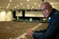 Pastor de Londres espera ver maior união entre brancos e negros na igreja