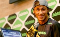 """Jogadores comentam sobre zagueiro que """"abençoava"""" Neymar a cada falta cometida contra o atacante"""