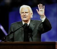 Evangelista Billy Graham afirma que muitos evangélicos idolatram o dinheiro e o poder