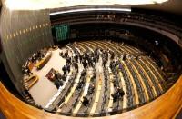 Mais da metade dos deputados da bancada evangélica enfrenta processos na Justiça. Confira lista