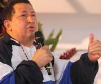 Durante missa transmitida pela TV Venezuelana, Hugo Chávez pede a Deus para curá-lo do câncer