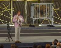 """Pastor utiliza leões e cordeiros em série de pregações que ele descreve como """"selvagens"""""""