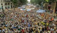 Marcha para Jesus mobilizou 300 mil pessoas e contou com protestos contra o PL122