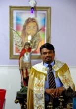 Igreja criada por homem que diz conversar com o Arcanjo Miguel mistura elementos de diversas religiões e já tem mais de 10 mil seguidores