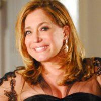 """""""Fala-se muito em poder e pouco em Deus"""", afirma a atriz Susana Vieira"""