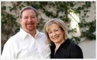 Rick Warren e sua esposa falam sobre a necessidade de novo foco da igreja e cristãos na ajuda aos órfãos necessitados
