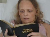 Reportagem da Rede Record destaca testemunho de vida da cantora evangélica Bianca Toledo