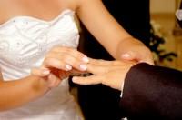 Pastor e juiz realizam casamento coletivo com 100 casais no Dia dos Namorados