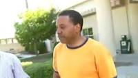 Pastor milionário, Creflo Dollar, é preso por maltratar sua filha adolescente