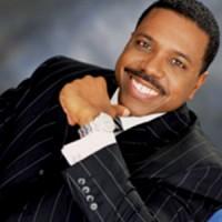 Pastor milionário, Creflo Dollar, afirma que foi preso injustamente e que não agrediu sua filha