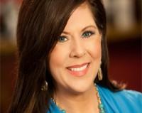 """Pastora Mary Kassian afirma em sermão que """"Deus não chamou as mulheres para serem feministas, e sim para serem femininas"""""""