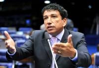 Pesquisa revela que 74% dos brasileiros são a favor da prisão perpétua: Magno Malta comenta