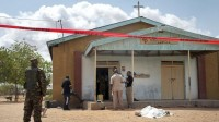 Muçulmanos se unem a cristãos para ajudar a proteger suas igrejas de ataques terroristas