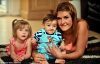 """Médicos consideram vida de bebê dado como morto no ventre e que passou a respirar após o parto um """"milagre"""""""